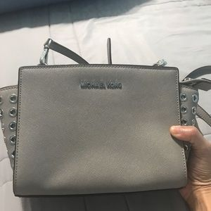 Micheals Kors Selma crossbody